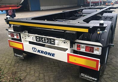 Burg-tank en Krone 20 ft containerchassis